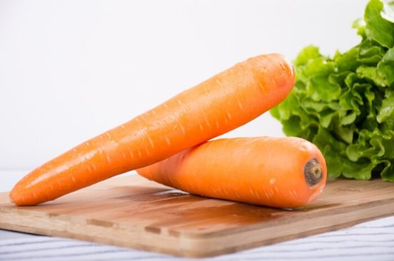Man's 'life-changing' carrot peeling hack proves we've all been doing it wrong