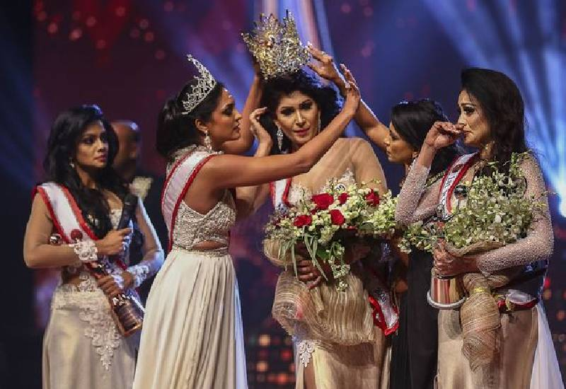 Mrs Sri Lanka winner injured on stage after rival snatches tiara, crowns runner up