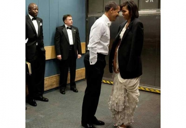 Proof that Michelle and Barack Obama are world's cutest couple