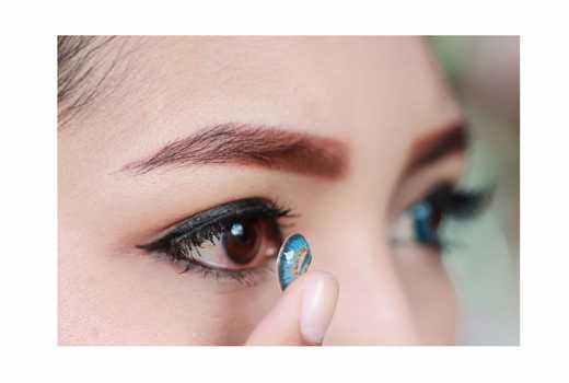 Eight mistakes you are making with your contact lenses