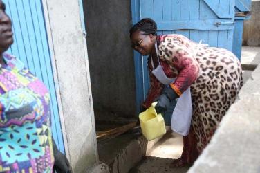 Woman's fight against cholera, Lilian Kings