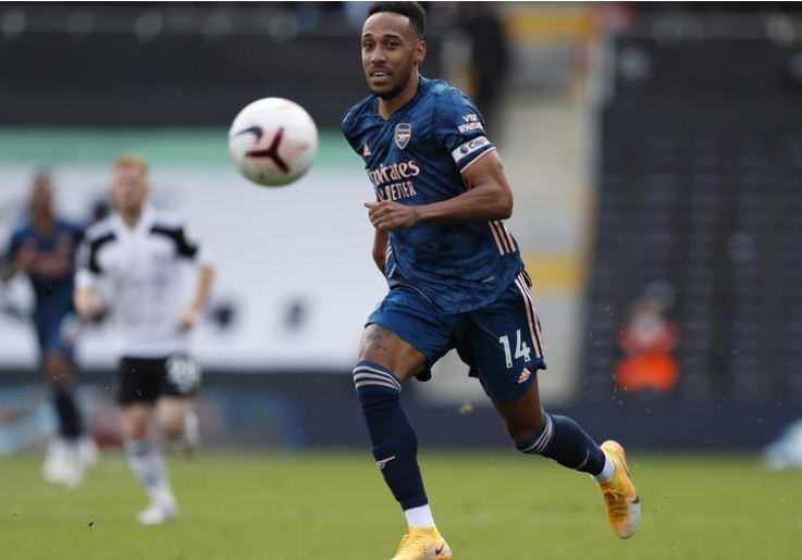 Aubameyang says he considered Arsenal exit