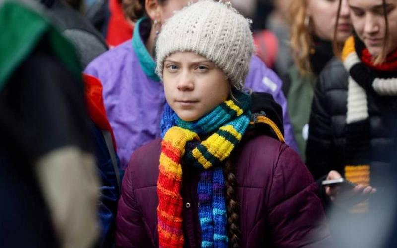 Coronavirus prompts Thunberg to move climate rallies online