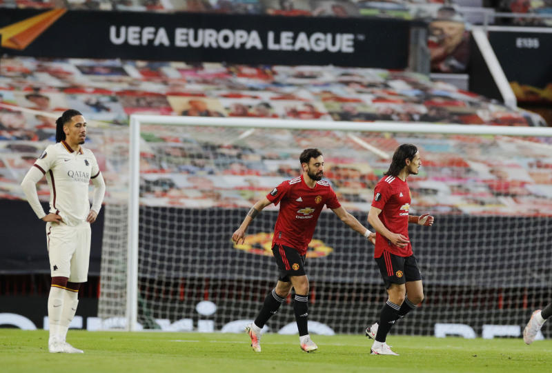 Europa League: Fernandes and Cavani sparkle as United hit Roma for six