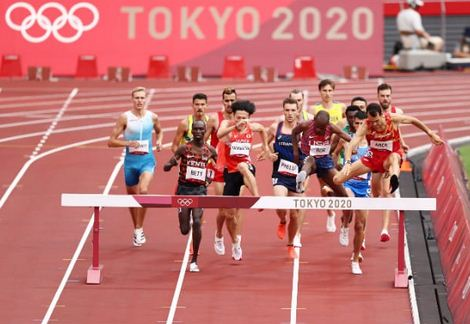 Kigen and Kibiwott through in steeplechase as Bett out with Sum exiting 800m in the heats