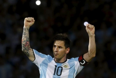 Messi reverses decision to quit Argentina squad