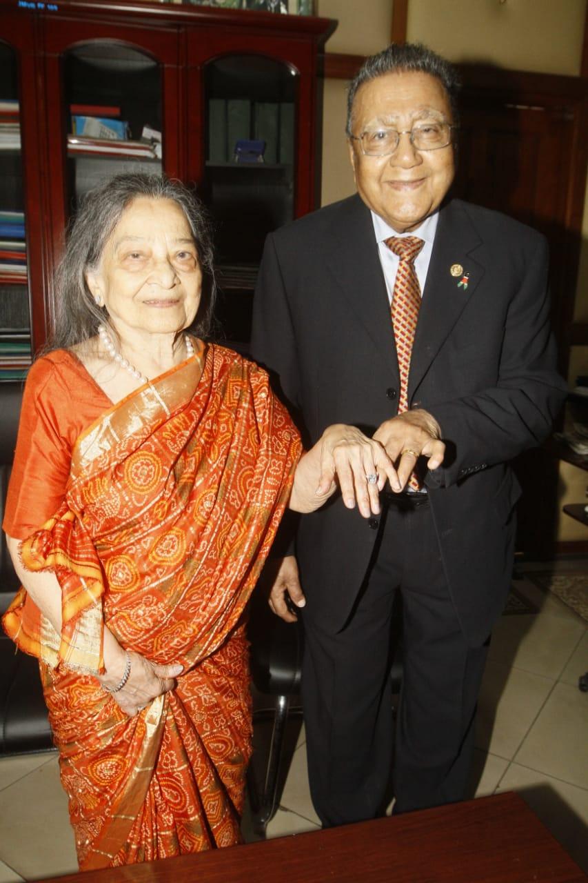 Businessman Manu Chandaria and his wife Aruna Chandaria displaying their rings (Photo: Jenipher Wachie)
