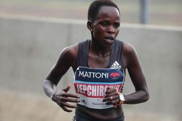 Peris Jepchirchir sets new Half Marathon World Record