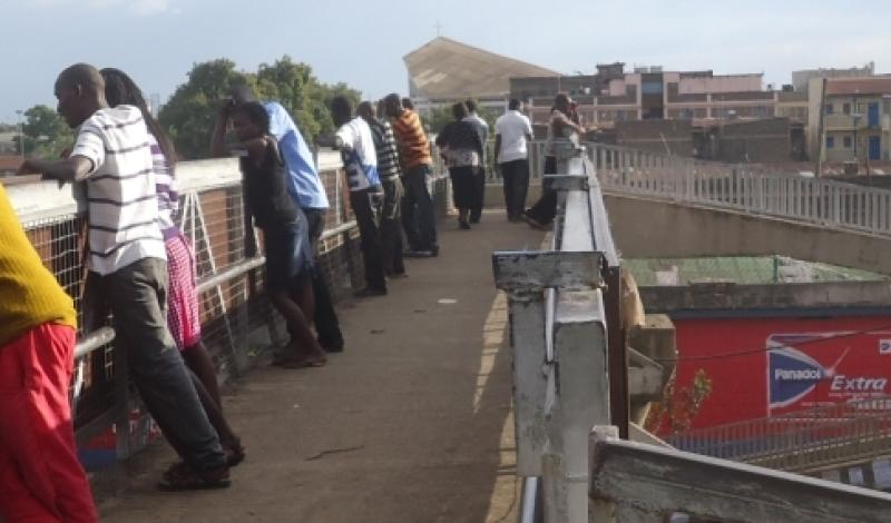 Randy couples turn city footbridge into lover's paradise, especially on Sundays