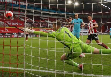 Spurs suffer 3-1 defeat at Sheff Utd, VAR in spotlight again