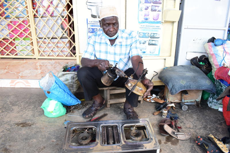 Steady hands: 82-year-old grandpa who can repair anything