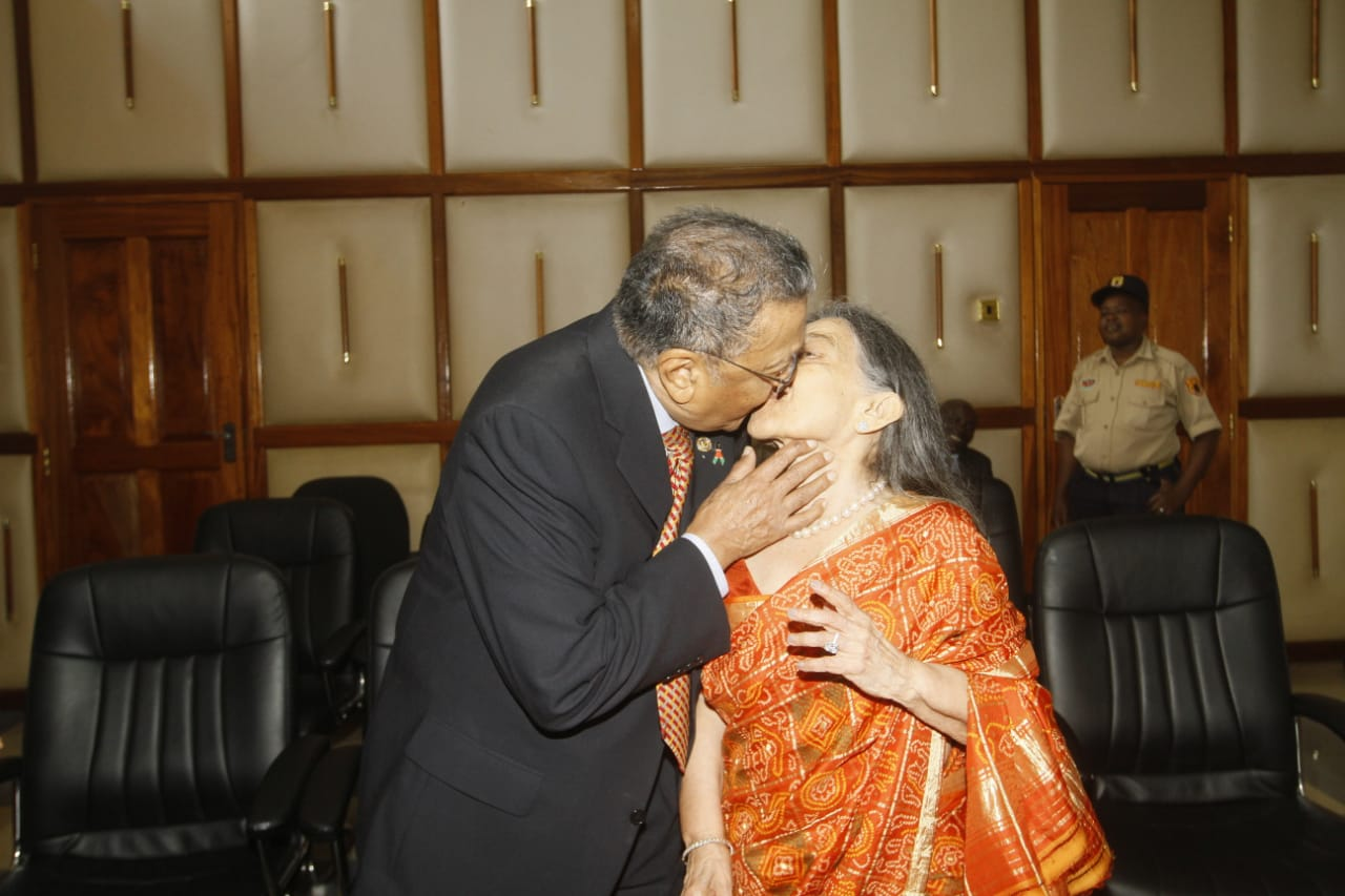 Businessman Manu Chandaria kissing his wife Aruna Chandaria after solemnising their marriage at Sheria House (Photo: Jenipher Wachie)