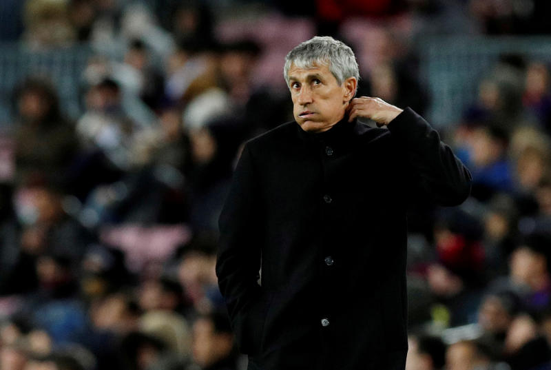 Barcelona stars in furious bust-up with boss Setien after Suarez sub