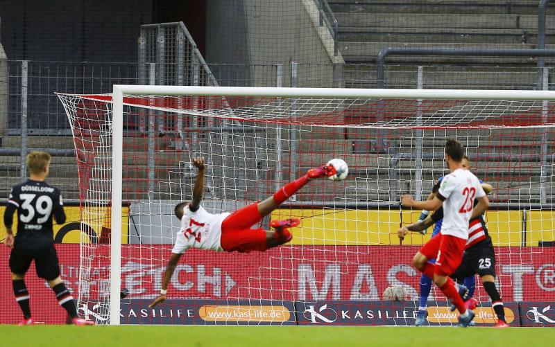 Bundesliga stat suggests home advantage has disappeared behind closed doors