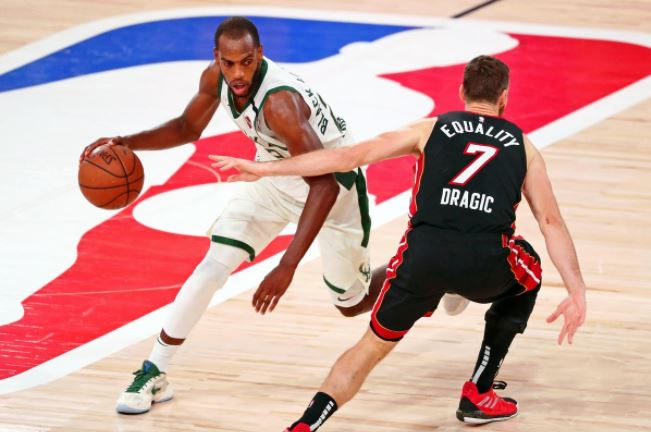 Khris Middleton keeps Milwaukee Bucks alive, shoots down Miami Heat