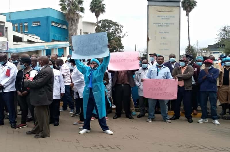 KNH workers on strike, accuse SRC of playing hardball