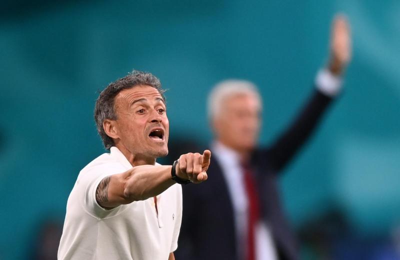 Luis Enrique rides wave of criticism to galvanise Spain