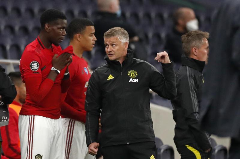 Man United boss Solskjaer accused of 'not trusting' Pogba