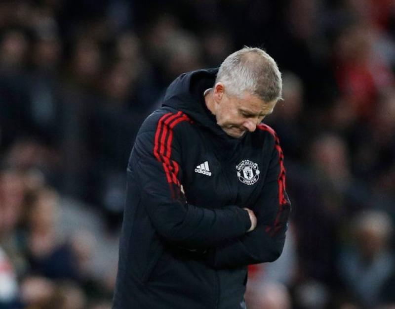 Pressure mounts on Solskjaer after Liverpool debacle