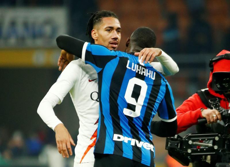 Roma 'make breakthrough' in Man United talks over Smalling transfer