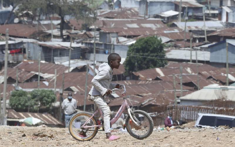 The billions changing hands in shadowy slum economy