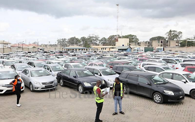 Traders throng Mombasa for KRA's big sale