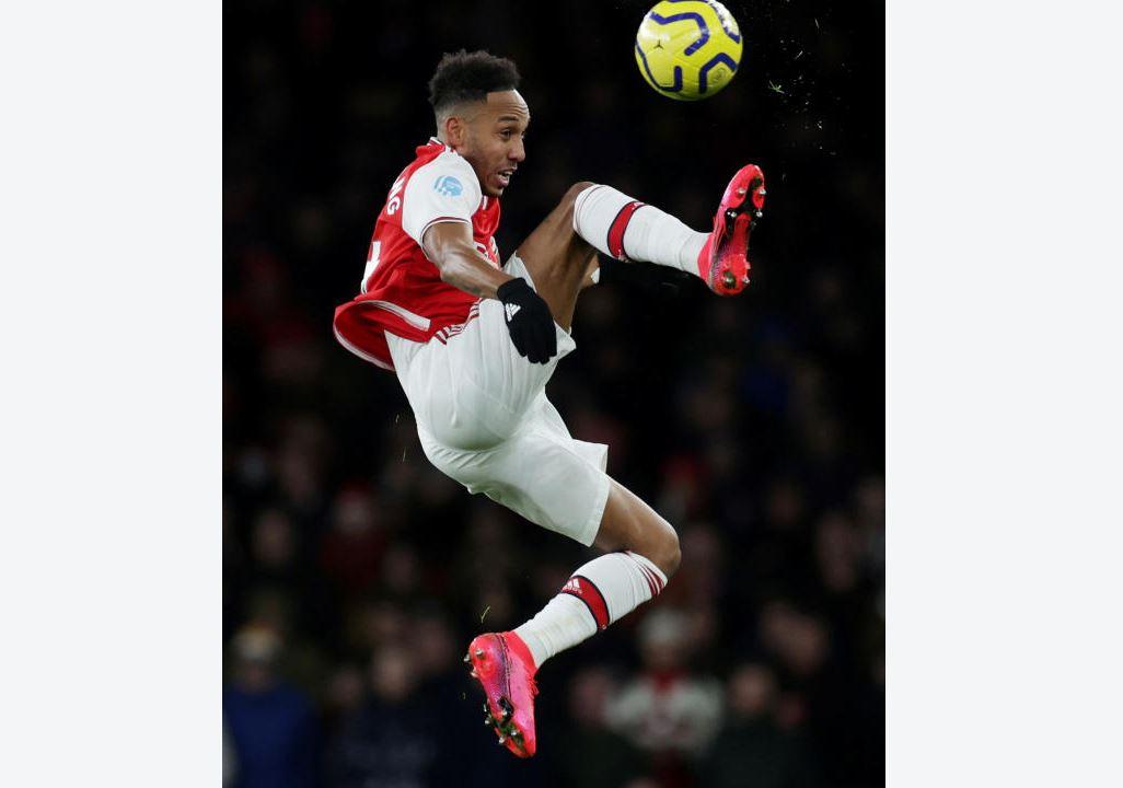 3 MAJOR reasons why Arsenal should sell Aubameyang!