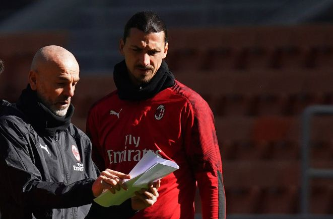 AC Milan coach Pioli tests positive for COVID-19