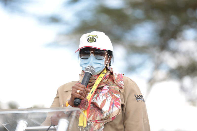 CS Amina happy young people, women are embracing sport