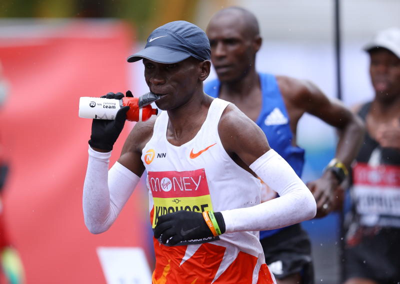 Eliud Kipchoge warming up for Olympics marathon in Netherlands race