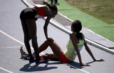 Ethiopia's Diro loses shoe in tight steeplechase