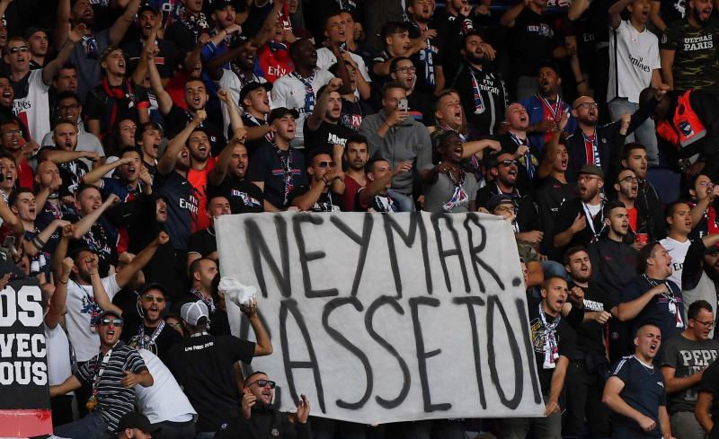 France allows up to 5,000 fans in stadiums