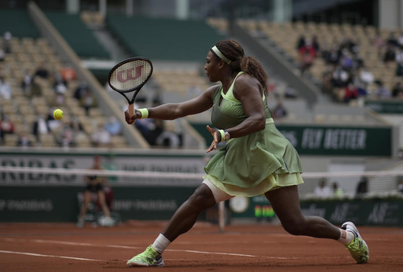 French Open: Serena powers past Collins to reach last 16 in Paris