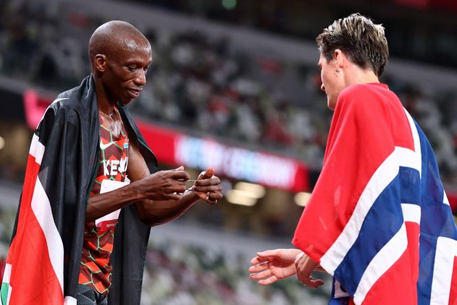 Cheruiyot says he gave his best despite injury as he wins silver in men's 1500m final