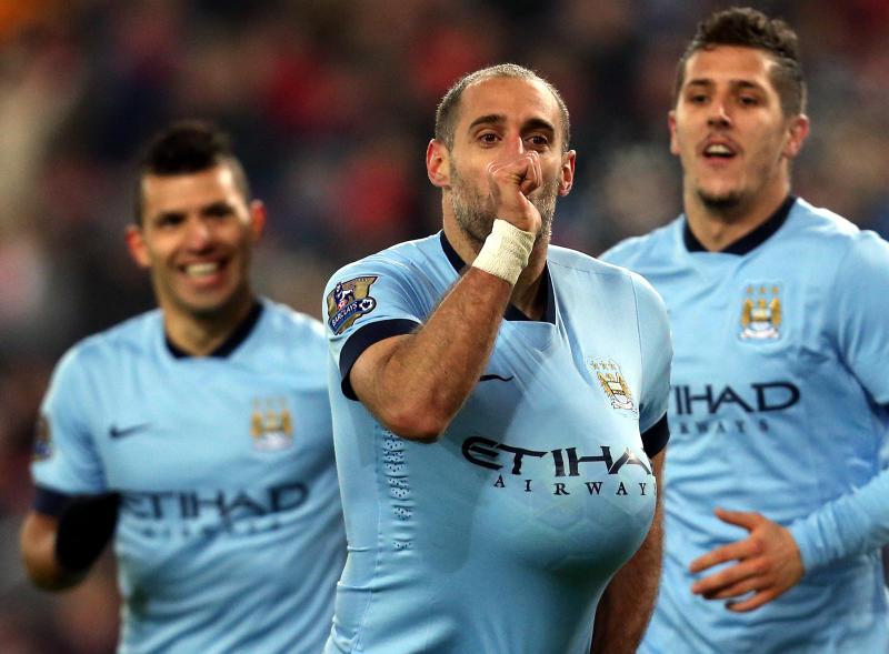 Man City legend Zabaleta in talks over emotional return