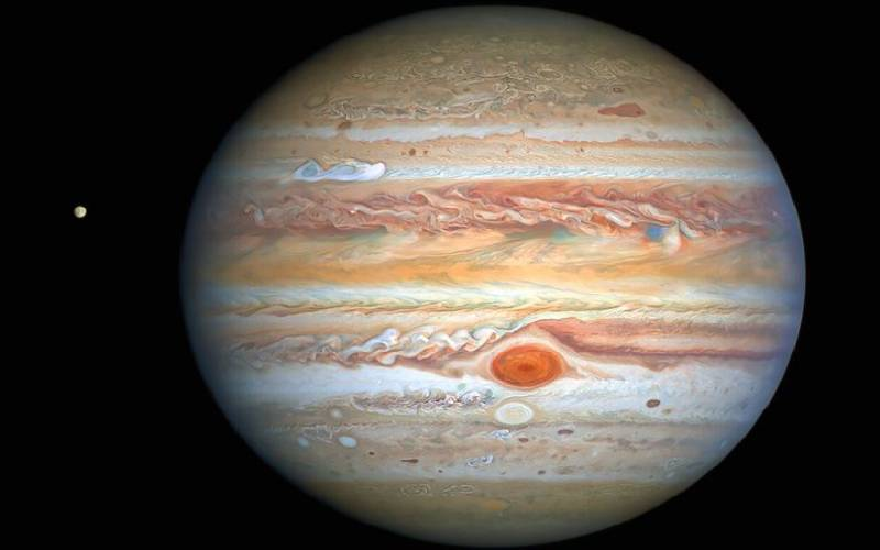 NASA snaps incredible photo of mysterious colour-changing storm on Jupiter