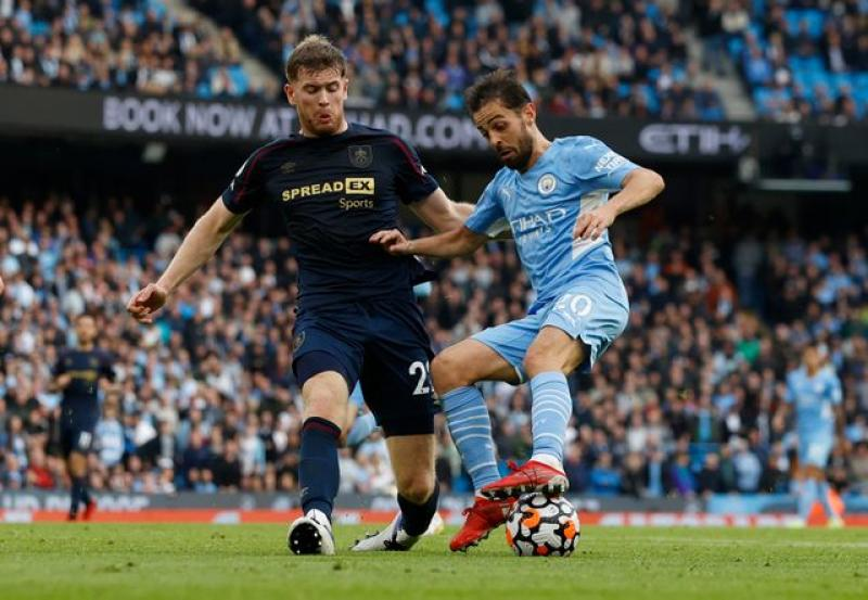 Silva and De Bruyne give City win over Burnley