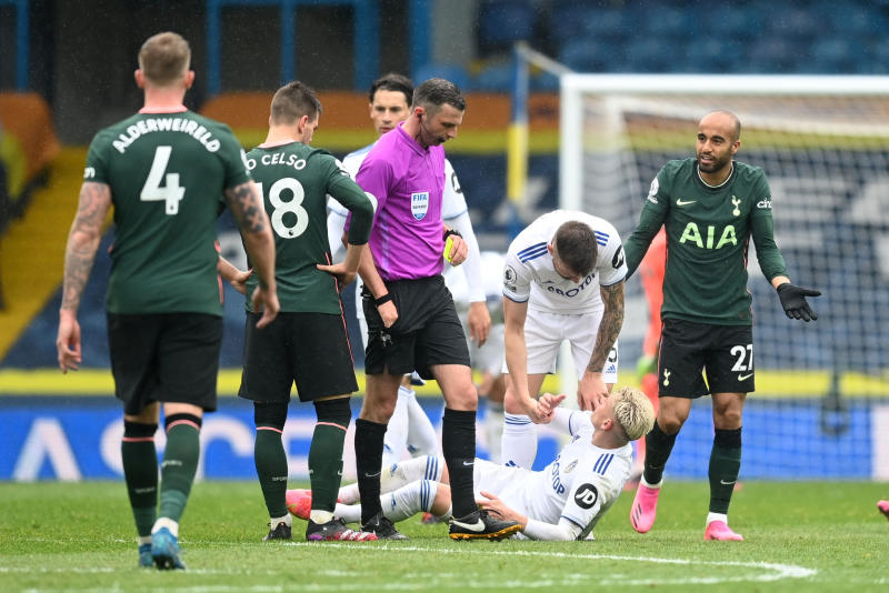 Spurs top-four bid hit by loss at Leeds