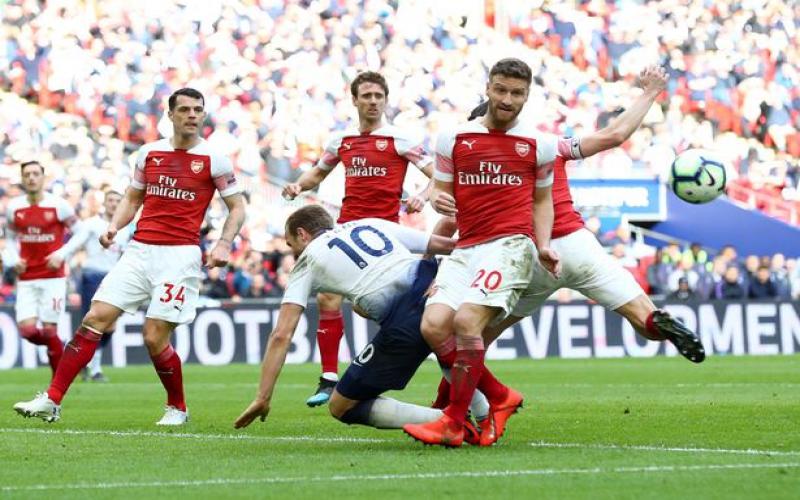 5 talking points as Aubameyang misses last-minute penalty against Tottenham