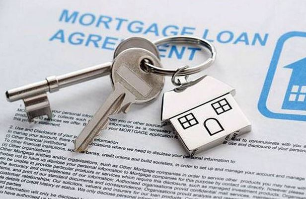 Mortgage firm positions in Big Four plan