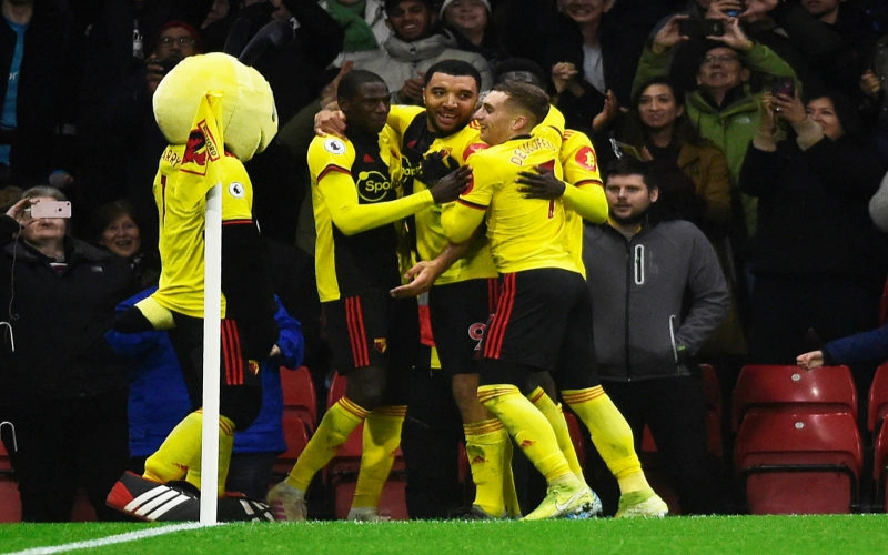 Ten-man Watford destroy Aston Villa, Deeney scores twice