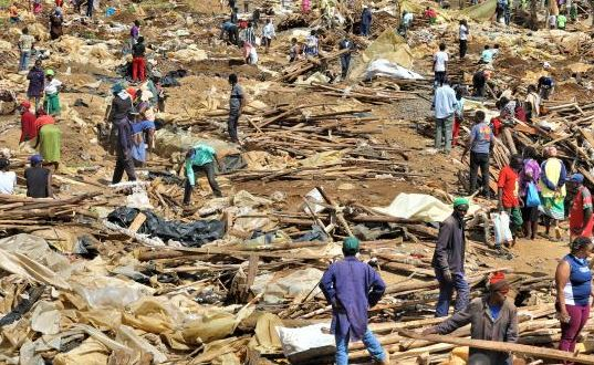 Traders count losses as Kenya Railways demolishes structures