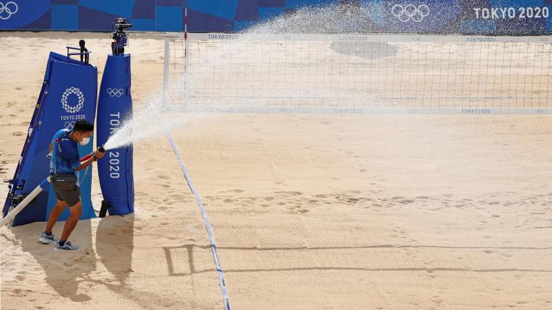 Women's beach volleyball match cancelled in Tokyo