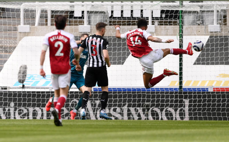 Arsenal cruise to 2-0 win at Newcastle