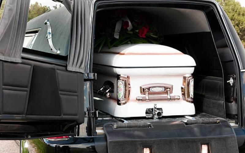 Governor bans sale of coffins near hospitals