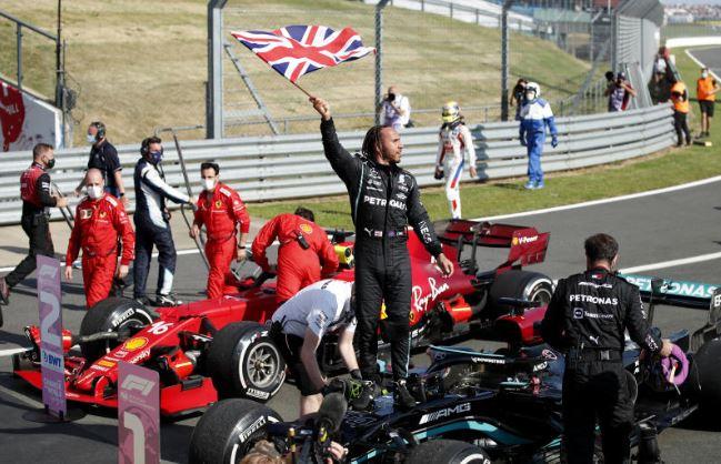 Hamilton controversially wins British Grand Prix
