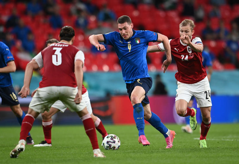 Italy beat Austria 2-1 with extra time goals to reach last eight