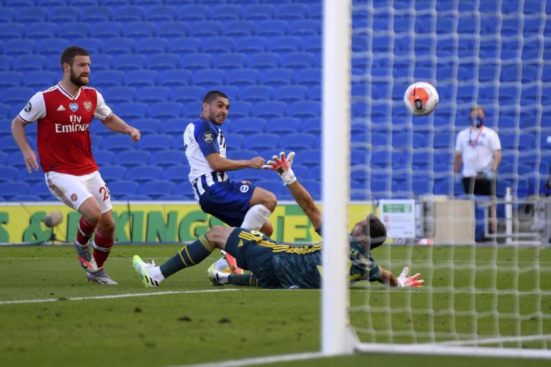 Martinez Threatens To Quit Arsenal