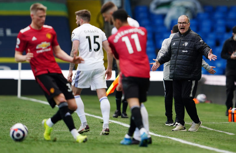 Man United held to goalless draw at Leeds