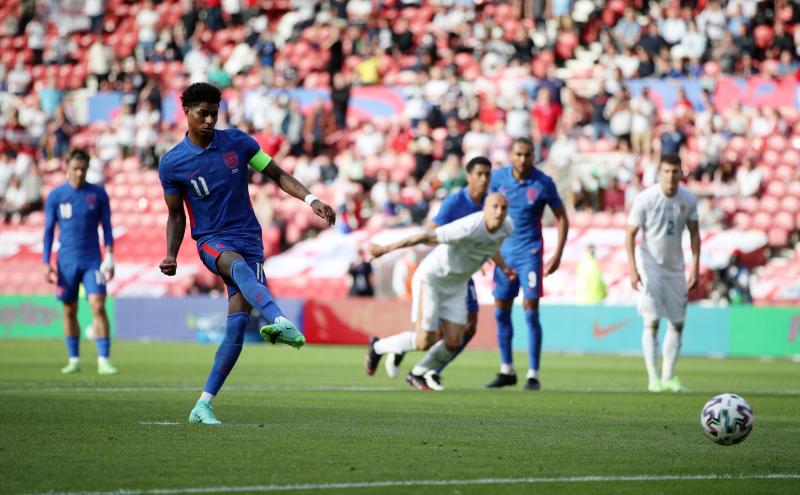 Rashford penalty gives England 1-0 win over Romania